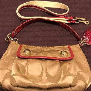 Coach Bags - COACH Poppy purse with additional strap